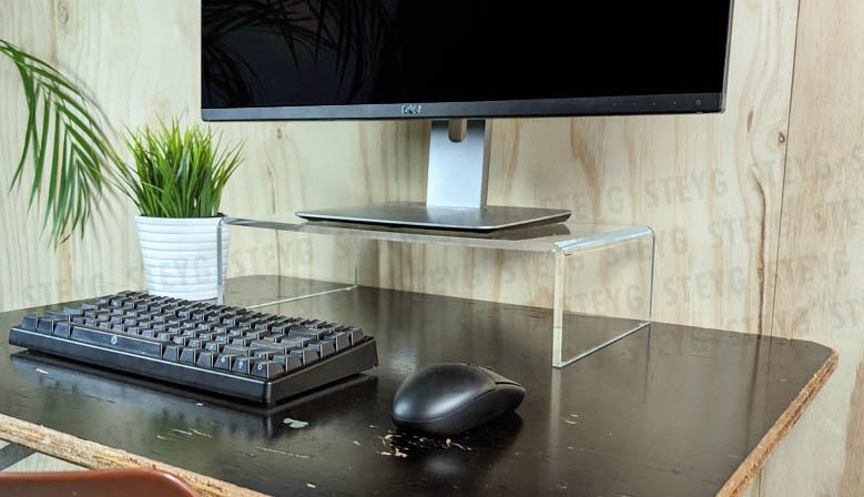 Este soporte para monitor extra alto aumenta en 11 cm.